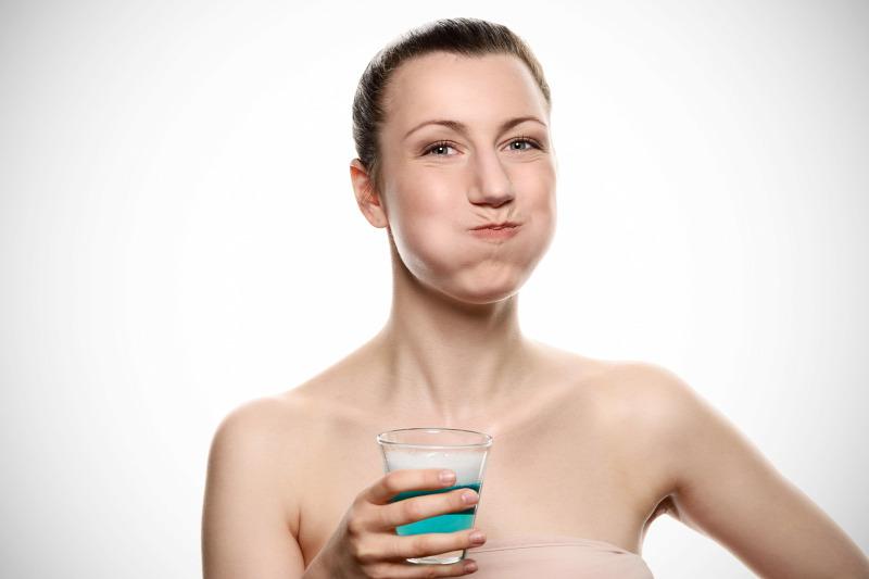 Savanyú nyál és rossz lehelet, 5 betegség, amitől büdös lesz a szája - Dívány