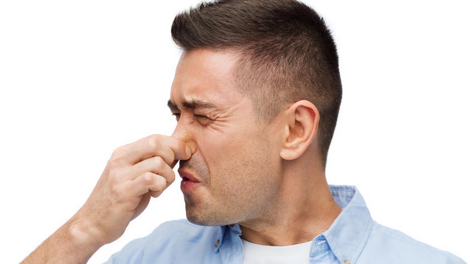 ha büdös szag van a szájból)