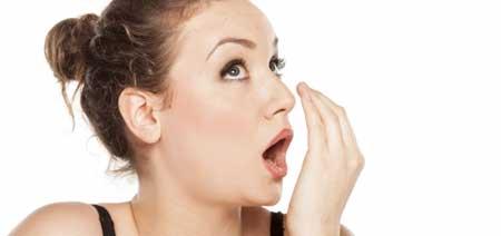 a szájból az acetonhoz hasonló szag