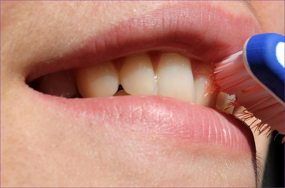 okok, amelyek miatt a száj kellemetlen szagú