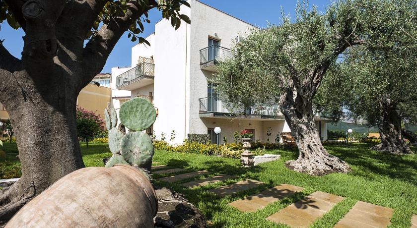 Residence Villa Giardini, Giardini Naxos – legfrissebb árai
