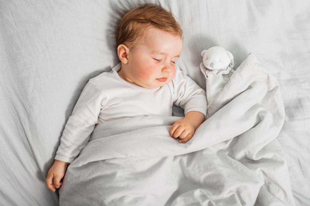 csecsemő nátha tünetei