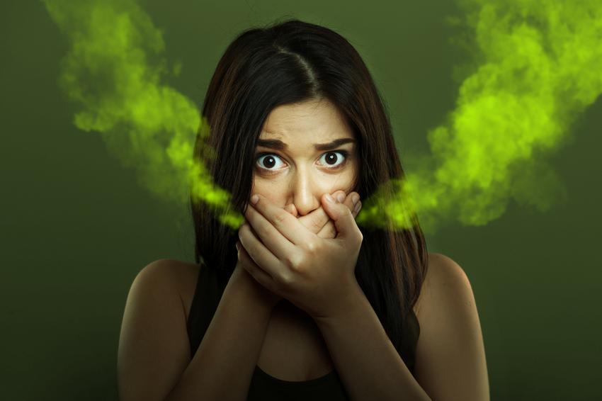 a szájból származó szar szaga