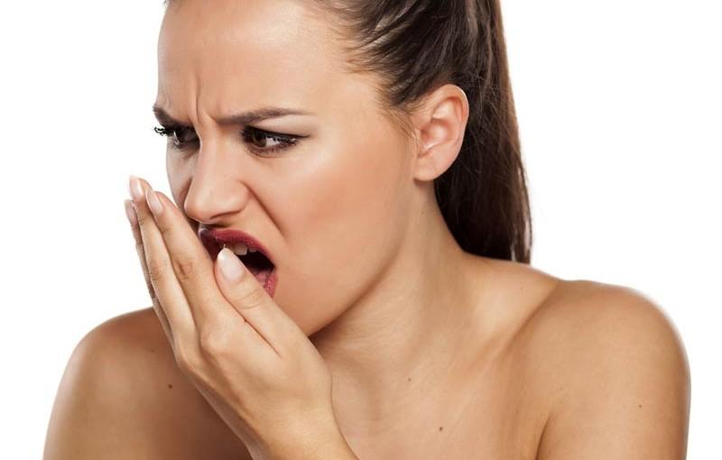 az íny és a száj rossz lehelete decaris antihelminthic gyógyszer